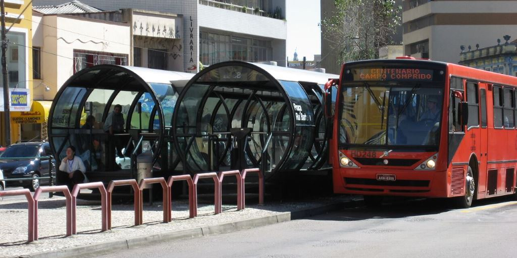 What The World S First Bus Rapid Transit System Can Teach Us Development Asia