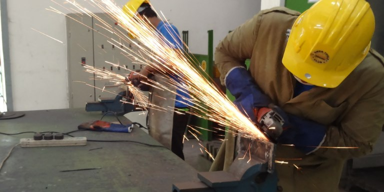 The partnership between the Bangladesh government and industry associations allows trainees to gain employable skills. Photo credit: SEIP.