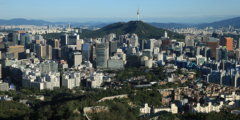 Seoul was devastated by the Korean War in the 1950s, but the city rapidly recovered and gained economic prosperity, thanks to numerous urban planning projects undertaken by the government. Photo credit: The Seoul Institute.