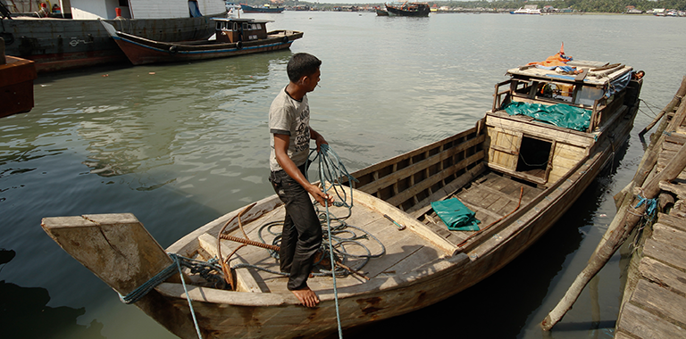 Inland waterway transport is a low-cost, environmentally friendly way of transporting people and goods. Countries in the Asia and the Pacific region have yet to realize its full potential. Photo: ADB.