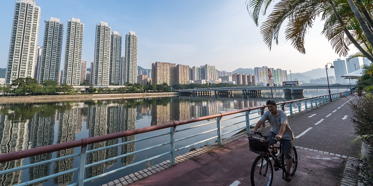 The Internet of Things covers a wide range of digital technologies that can help cities harness real-time data to efficiently manage complex urban systems, including water, energy, waste, and transportation. Photo: ADB.