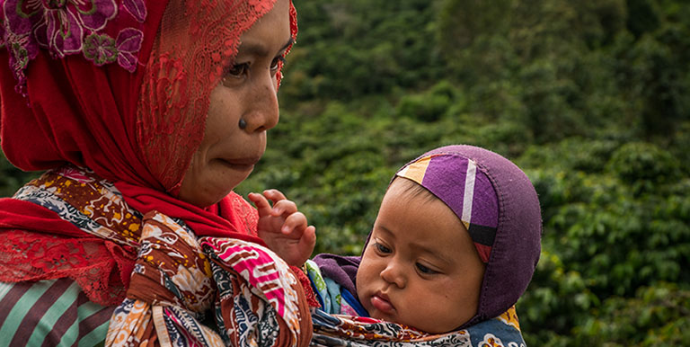 Data shows more women in Lampung's Metro City are giving birth at a health facility. Photo credit: ADB.