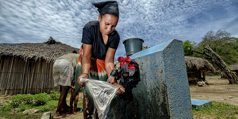 Improving water services in Timor-Leste will  benefit women, who mostly have have the responsibility for domestic tasks, such as fetching water and doing the laundry. Photo credit: ADB.