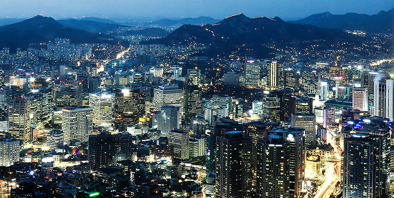 "In megacities like Seoul in the Republic of Korea, engaging all stakeholders in urban planning can help ensure sustainable development. Photo credit: <a href=""http://global.si.re.kr/"">Seoul Institute</a>"