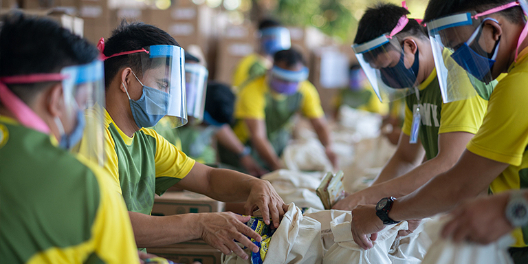 Majority of social protection measures in Southeast Asia are in the form of social assistance, such as cash transfers and distribution of relief goods. Photo credit: ADB.