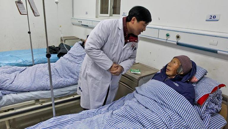 Multiple chronic diseases and other complex conditions, such as dementia, make addressing the need for high-quality long-term care for senior persons even more important. Photo exclusively licensed to the Asian Development Bank until 2019.