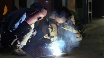 Training consortiums help SMEs provide in-service training for their workers.  Photo credit: ehistory.go.kr.