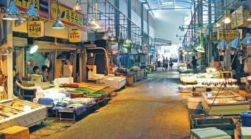 Through big data analytics, the Seoul Metropolitan Government is able to provide invaluable market insights for small business owners and support local economic growth. Photo credit: Seoul Urban Solutions Agency