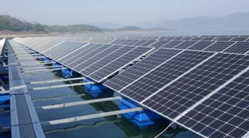 Green energy can be generated through solar modules installed on the surfaces of bodies of water. Photo credit: K-water.