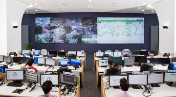 Seoul's Transport Operation & Information Service is a central platform that monitors and manages city-wide public transportation and road traffic.  Photo credit: Seoul Metropolitan Government