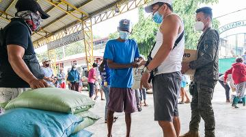 Using digital currencies has the potential to improve the speed of sending aid to disaster-stricken families. Photo credit: ADB.