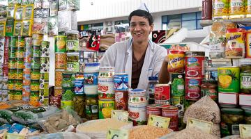 For Turkmenistan, food safety concerns relate to problems in quality management systems for domestic produce as well as for imports. Photo credit: ADB.